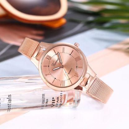 Дамски Часовник в Розово Злато с Кварцов Механизъм