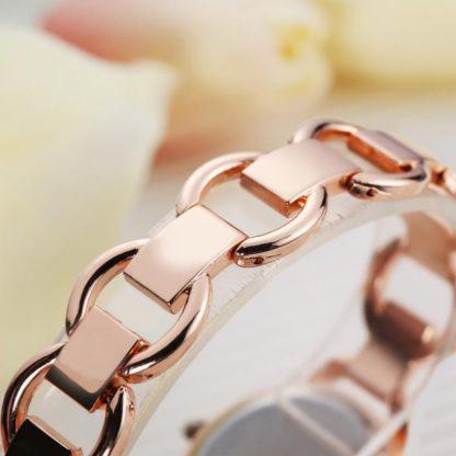 Дамски Часовник с Кварцов Механизъм